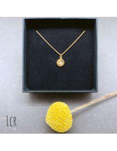 Ras du cou plaqué or Médaille étoile gravée 1 strass