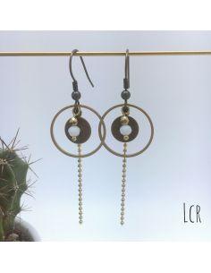 Boucles d'oreille anneau et rondelle laiton, perle de cristal blanc