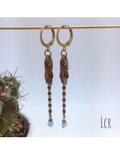 Boucles d'oreille chaîne feuillus, perle de verre bleu clair