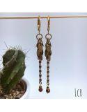 Boucles d'oreille chaîne feuillus, perle de verre bordeaux