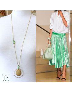 Sautoir perles de verre vert d'eau, grande plaque laiton