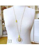 Sautoir perles de verre jaune, grande plaque laiton