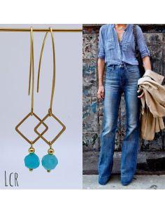 Boucles d'oreille grande hanse, petit carré laiton, perle bleu clair